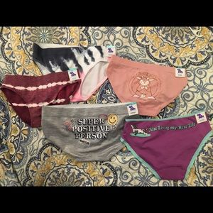 Girls size 8-10 NWT Justice Panties